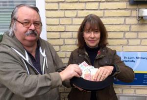 Franz Kratochwil spendet die Einnahmen aus dem Literaturabend der Galerie Stexwig