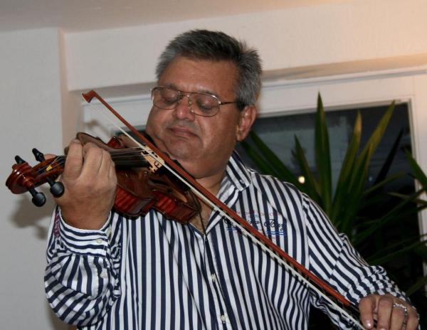 Martin Weiss spielt in der Galerie Stexwig