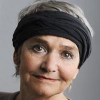 Monika-Maria Dotzer mit Tuch